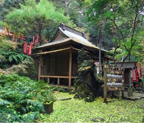 鎌倉のおすすめ観光名所 佐助稲荷神社